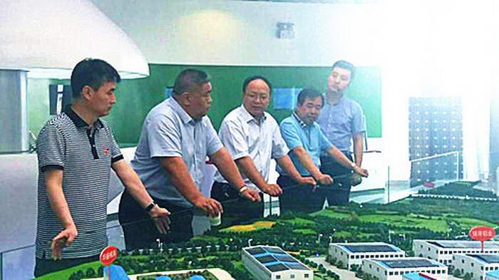 长春特必克世立汽车零部件有限公司总经理来铜川考察汽车零部件产业项目